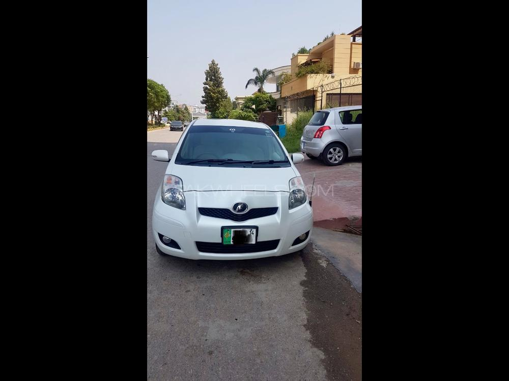 Toyota Vitz iLL 1.0 2009 Image-1