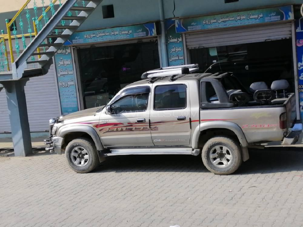 Toyota Hilux Tiger 2003 Image-1