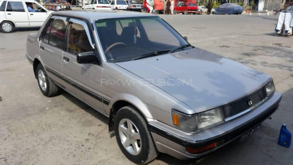 Toyota Corolla DX Saloon 1986 Image-1