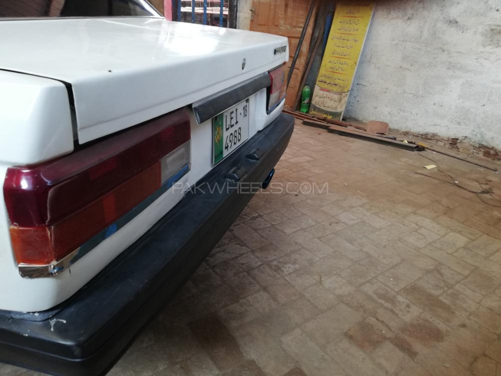 Nissan Sunny EX Saloon 1.6 1988 Image-1