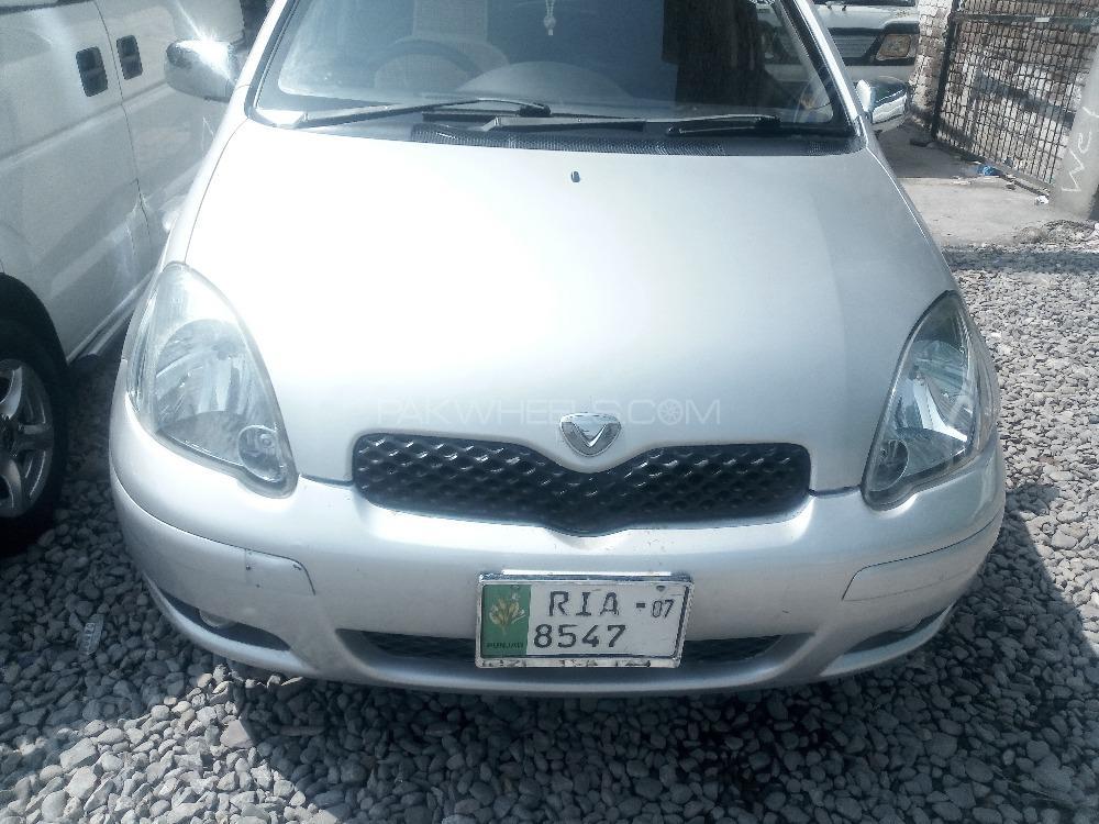 Toyota Vitz 2004 Image-1