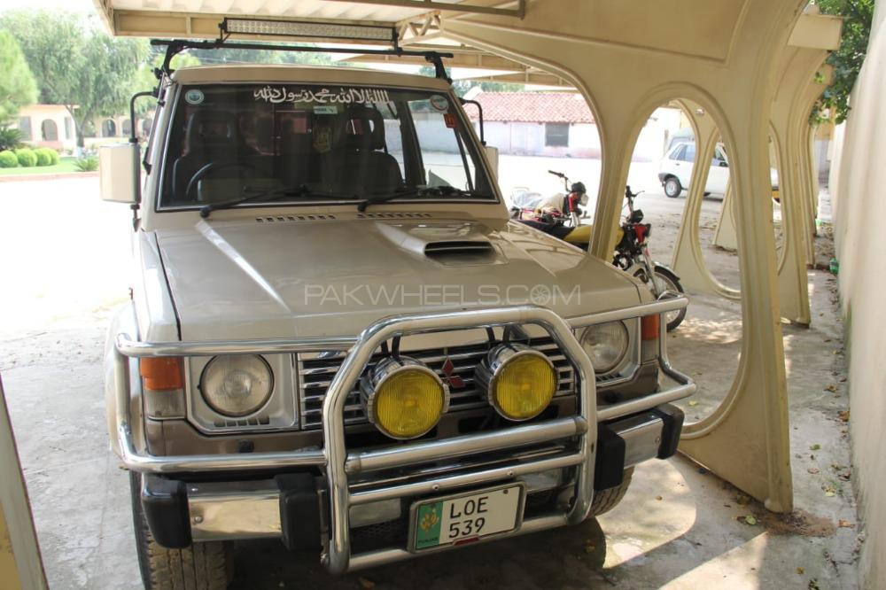 Mitsubishi Pajero Exceed 2.8D 1991 Image-1