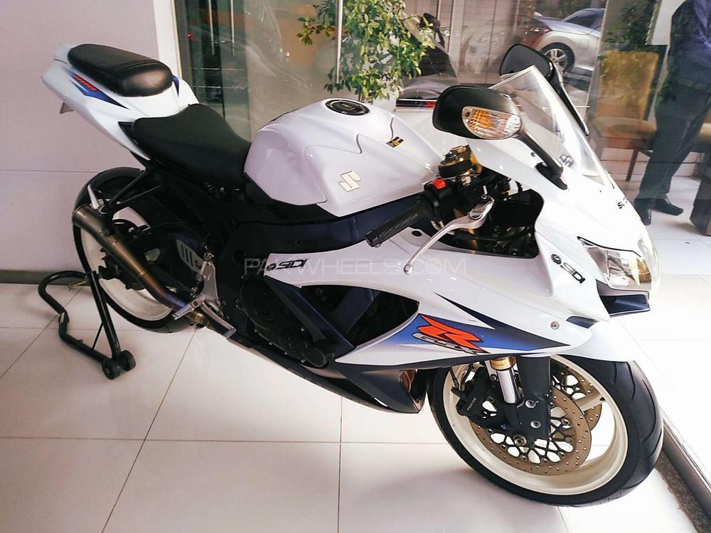 Suzuki GSX-R600 2010 Image-1