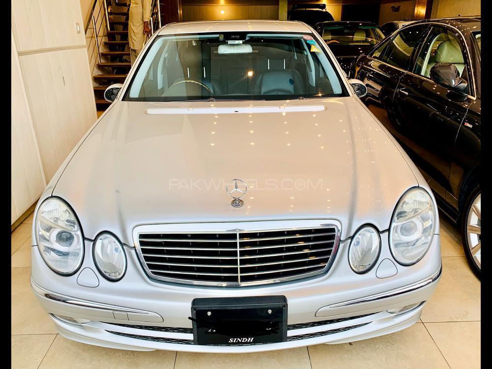 Mercedes Benz E Class E320 2005 Image-1