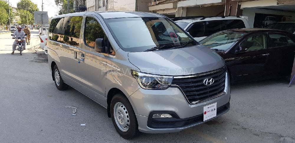 Hyundai Grand Starex GL 2019 Image-1