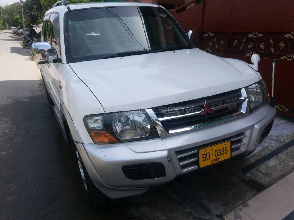 Mitsubishi Pajero GLX 3.2D 2000 Image-1