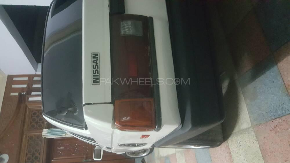 Nissan Sunny EX Saloon 1.6 (CNG) 1988 Image-1