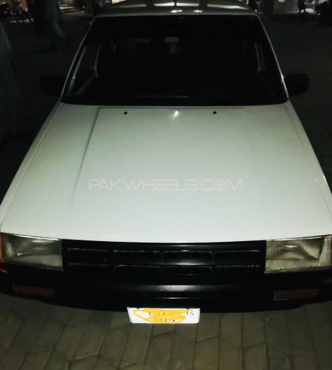 Toyota Corolla SE Saloon 1986 Image-1