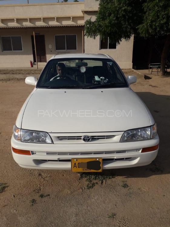 Toyota Corolla GLi 1.6 2000 Image-1