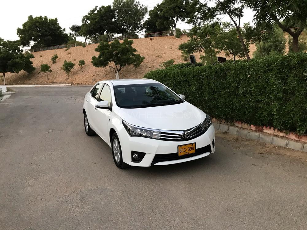 Toyota Corolla Altis CVT-i 1.8 2014 Image-1