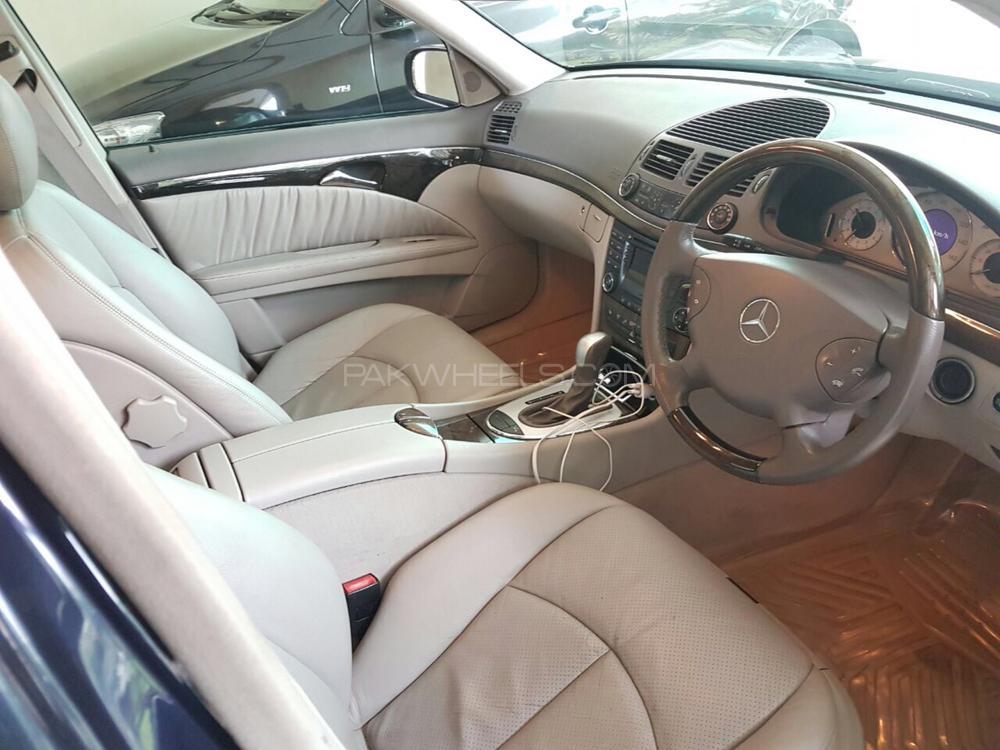 Mercedes Benz E Class E320 2004 Image-1