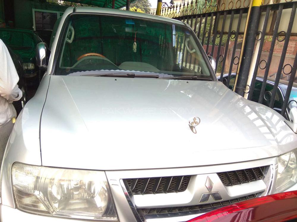Mitsubishi Pajero GLS 3.5 2005 Image-1