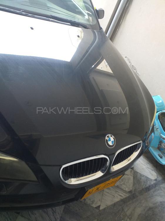 BMW 5 Series 2005 Image-1