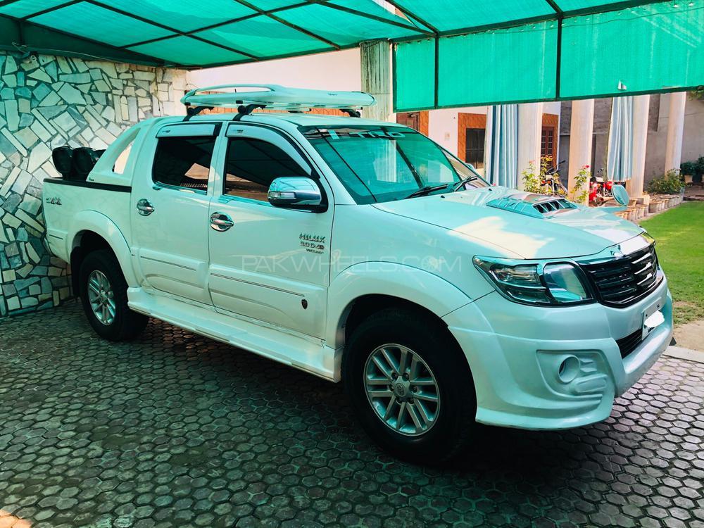 Toyota Hilux Vigo Champ TRD Sportivo  2011 Image-1