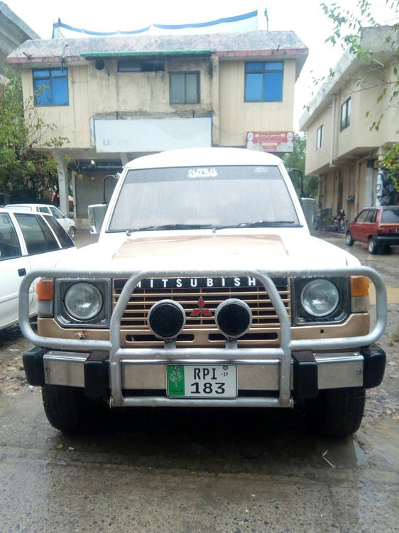 Mitsubishi Pajero Exceed 2.5D 1984 Image-1