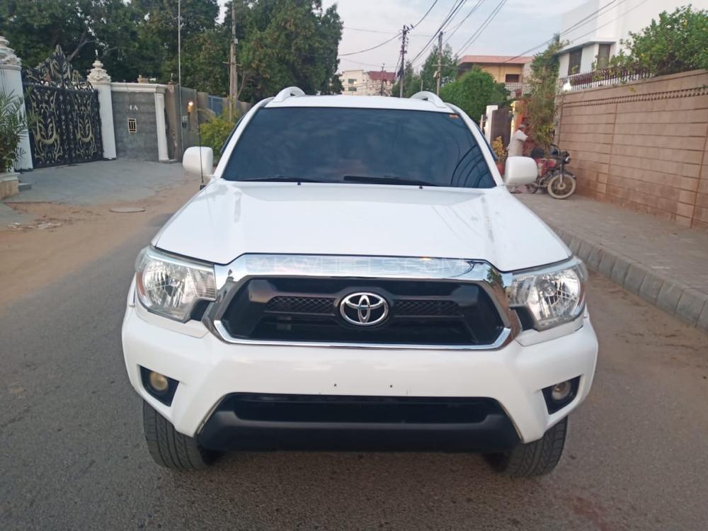 Toyota Tacoma 2015 Image-1