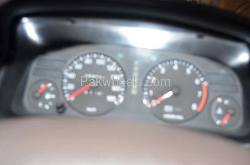 Toyota Corolla SE Saloon 1993 Image-1