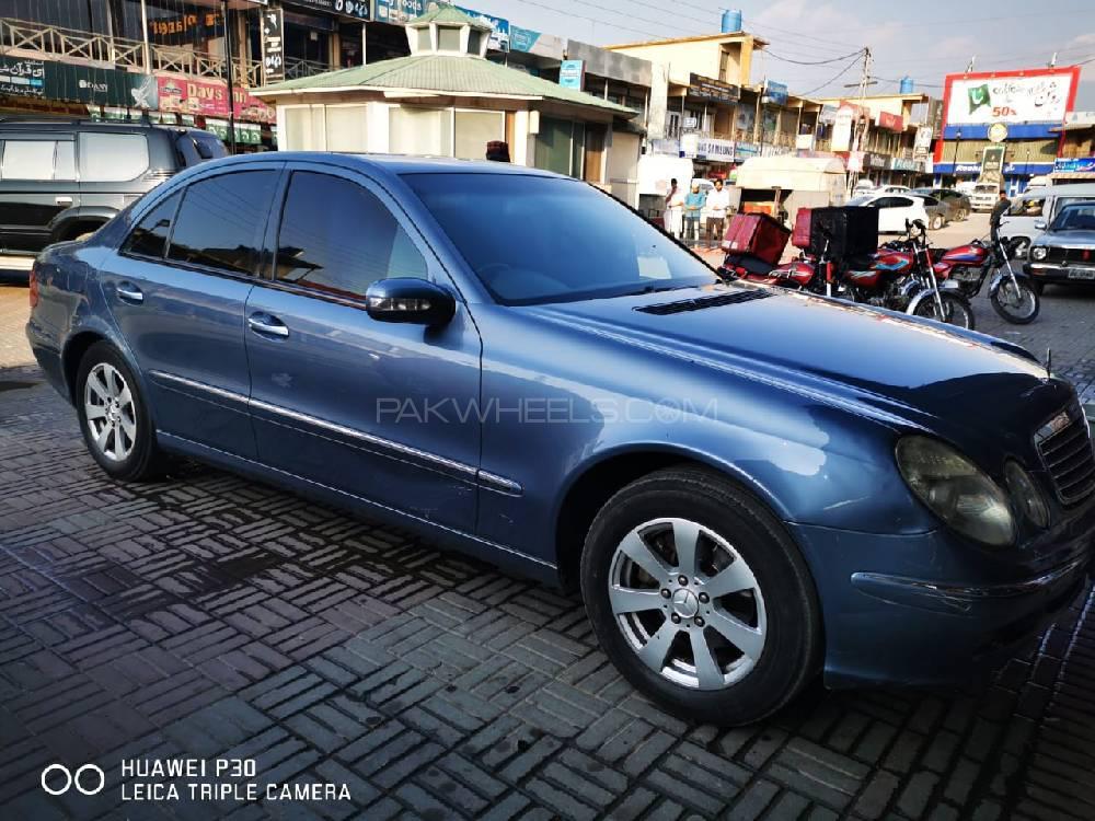 Mercedes Benz E Class Coupe E 220 CDI 2004 Image-1