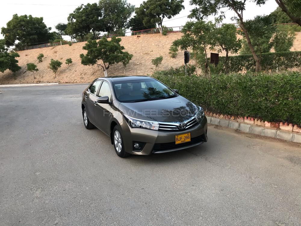 Toyota Corolla Altis CVT-i 1.8 2017 Image-1