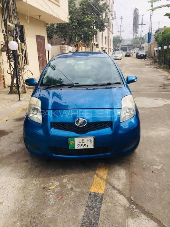Toyota Vitz B 1.0 2009 Image-1