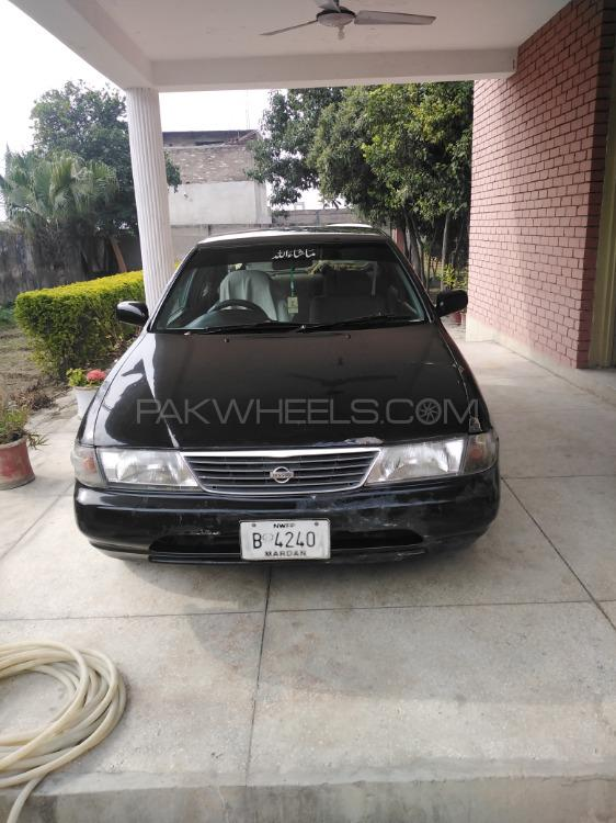 Nissan Sunny EX Saloon 1.6 (CNG) 2001 Image-1