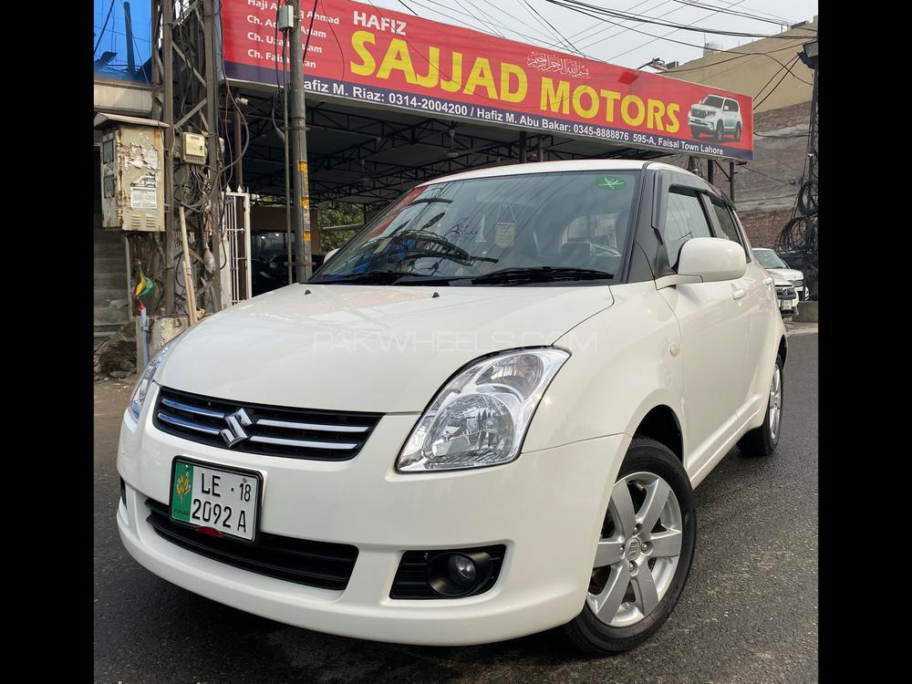 Suzuki Swift DLX Automatic 1.3 Navigation 2018 Image-1