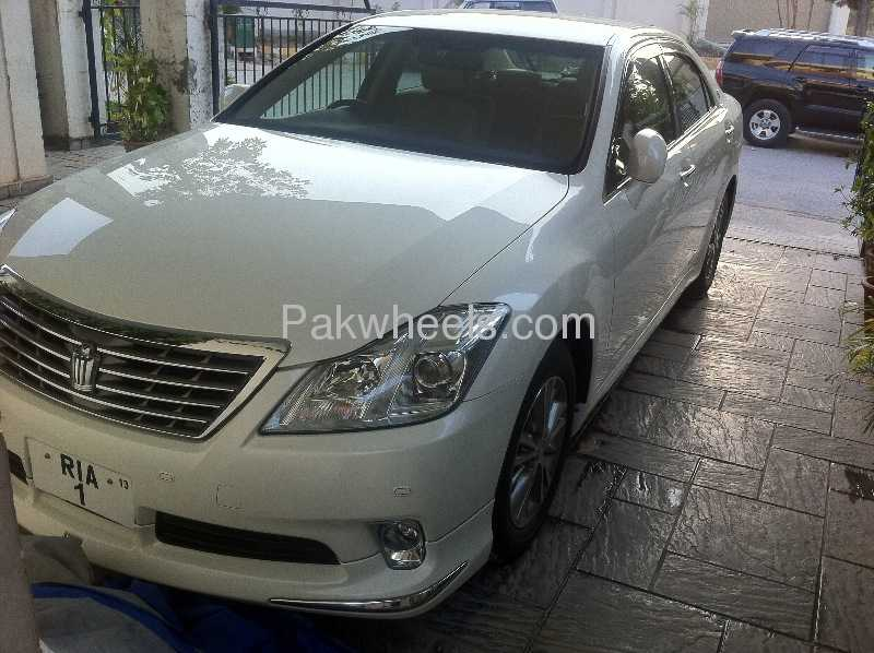 Toyota Crown Royal Saloon G 2011 Image-5