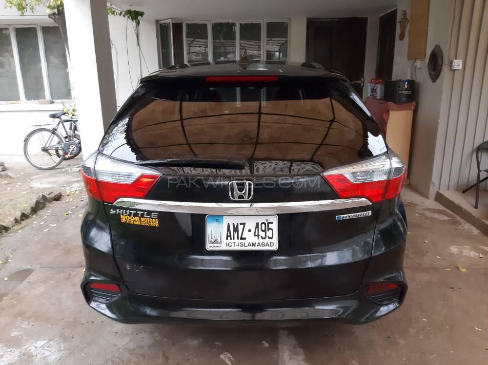 Honda Fit Shuttle Hybrid 2015 Image-1