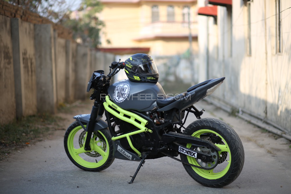 Suzuki GS500F - 2001  Image-1