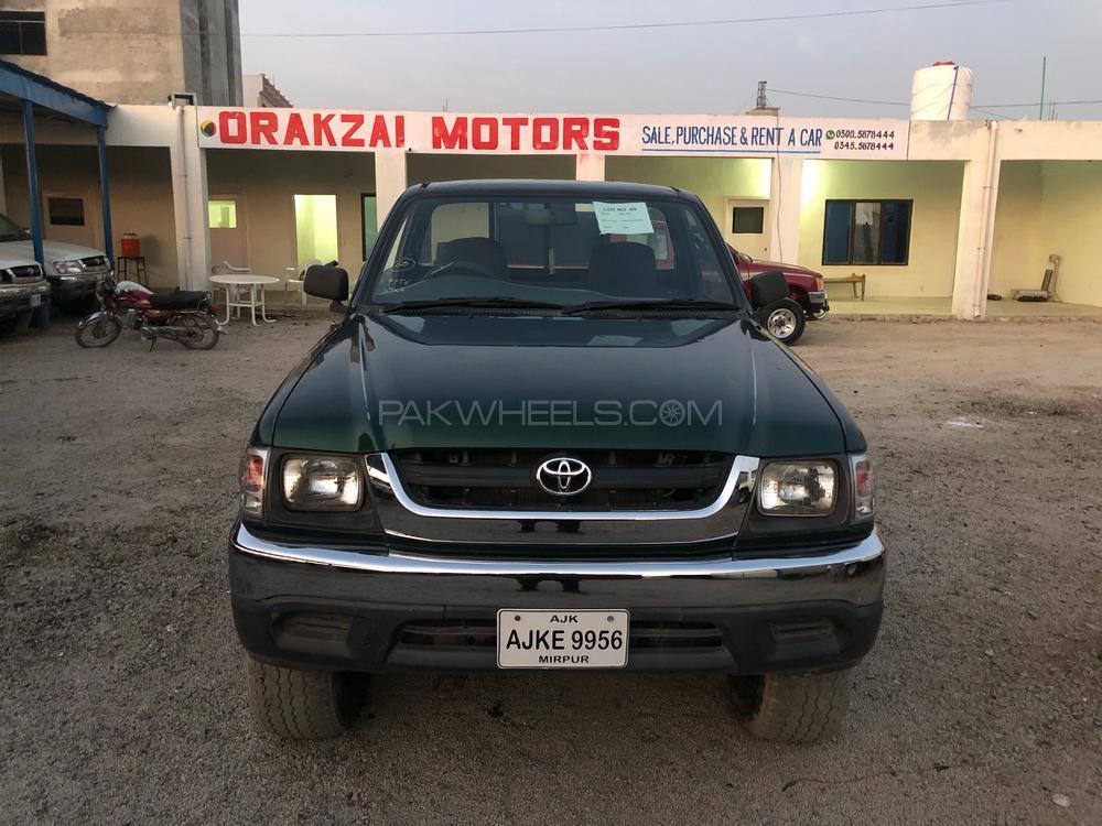 Toyota Hilux 2002 Image-1