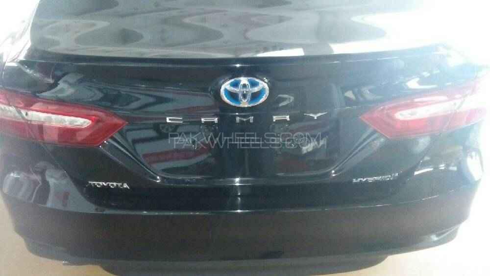 Toyota Camry - 2018  Image-1
