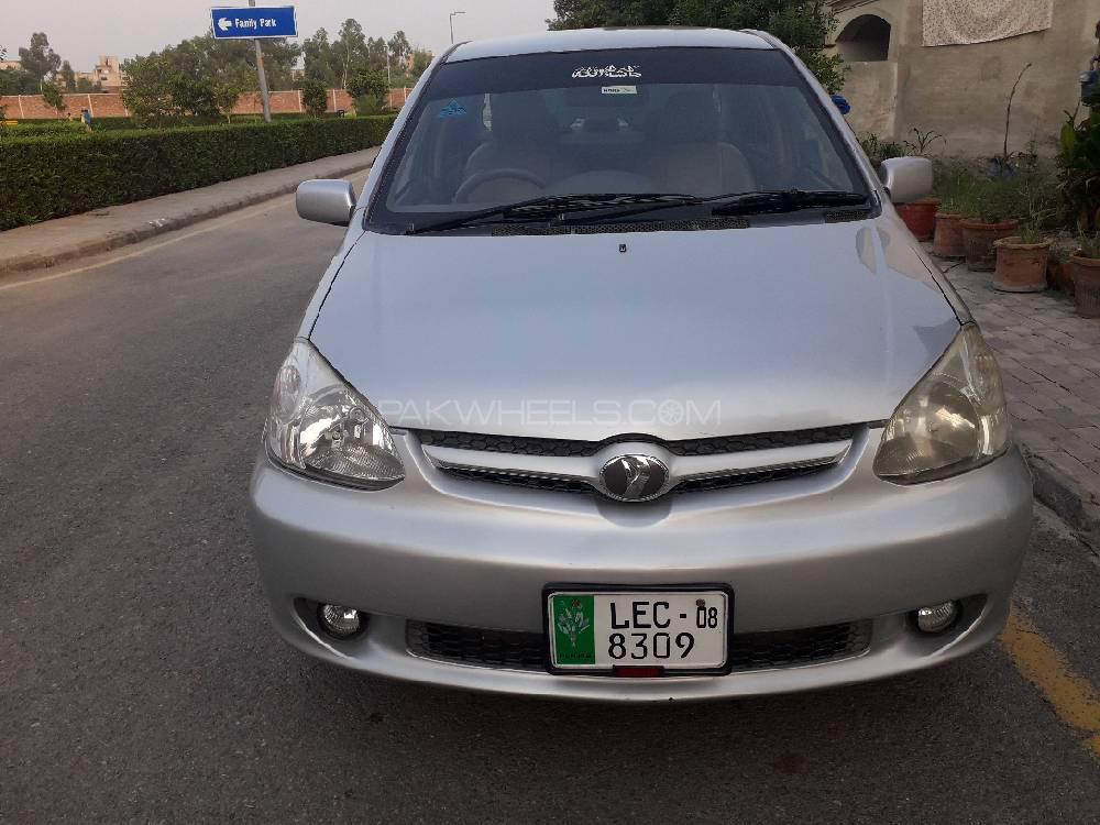 Toyota Platz F 1.3 2003 Image-1