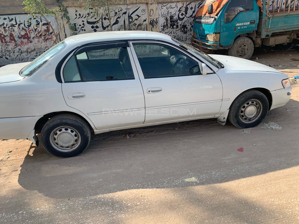 Toyota Corolla GLi 1.6 2001 Image-1