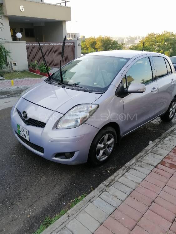 Toyota Vitz B Intelligent Package 1.0 2009 Image-1