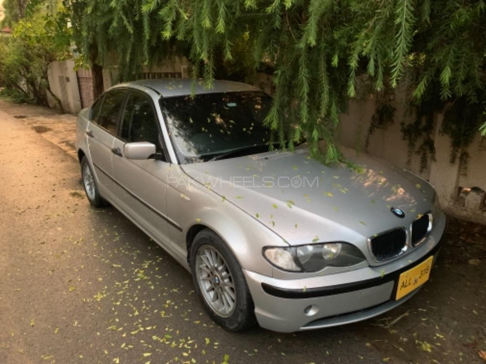 BMW 3 Series 318i 2002 Image-1