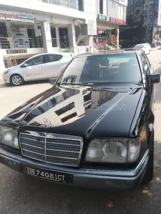 Mercedes Benz E Class E200 1994 Image-1