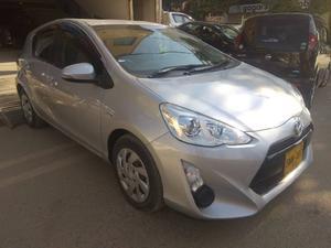 Used Toyota Aqua 2015