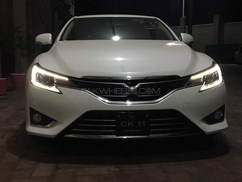Toyota Mark X - 2013  Image-1