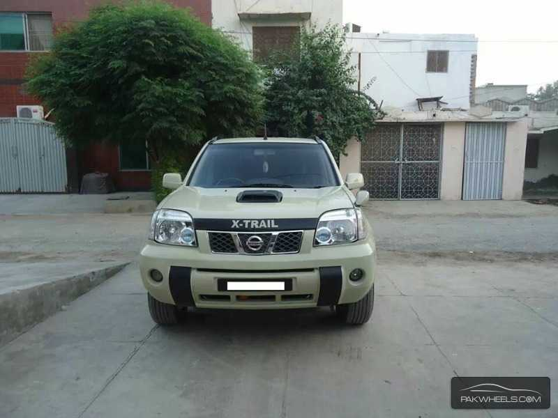 nissan x trail 2003 for sale in lahore pakwheels. Black Bedroom Furniture Sets. Home Design Ideas