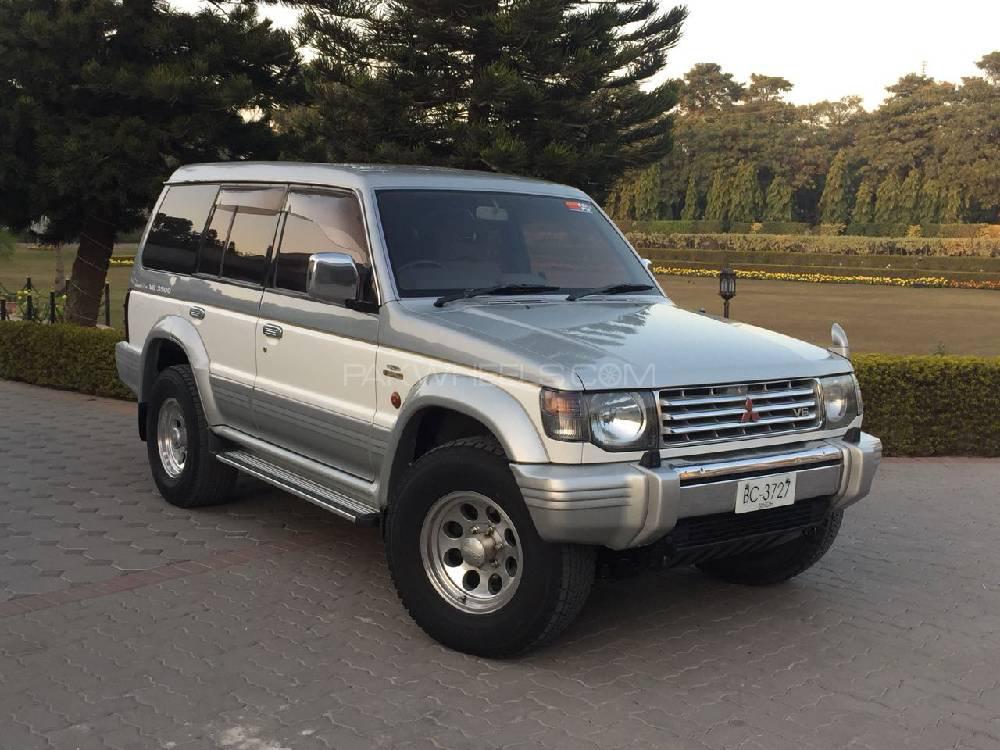 Mitsubishi Pajero Exceed 3.5 1994 Image-1