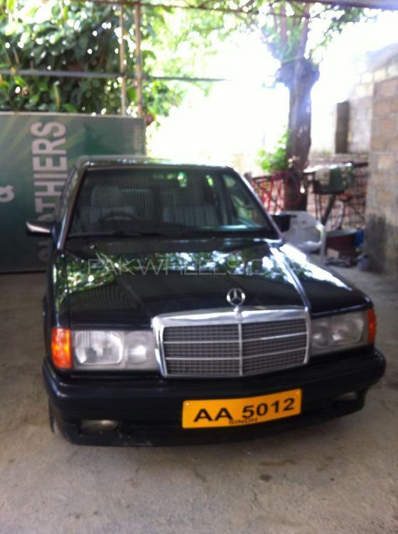 Mercedes Benz 250 D 1992 Image-1