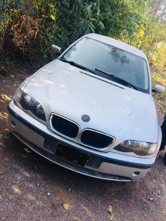 BMW 3 Series 2001 Image-1
