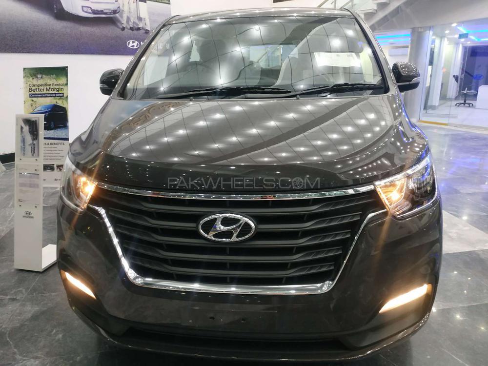 Hyundai Grand Starex GLS 2020 Image-1