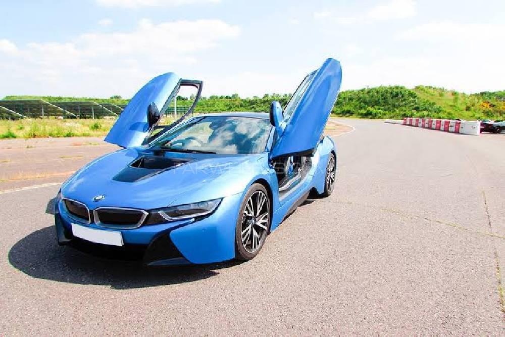 BMW i8 - 2017  Image-1