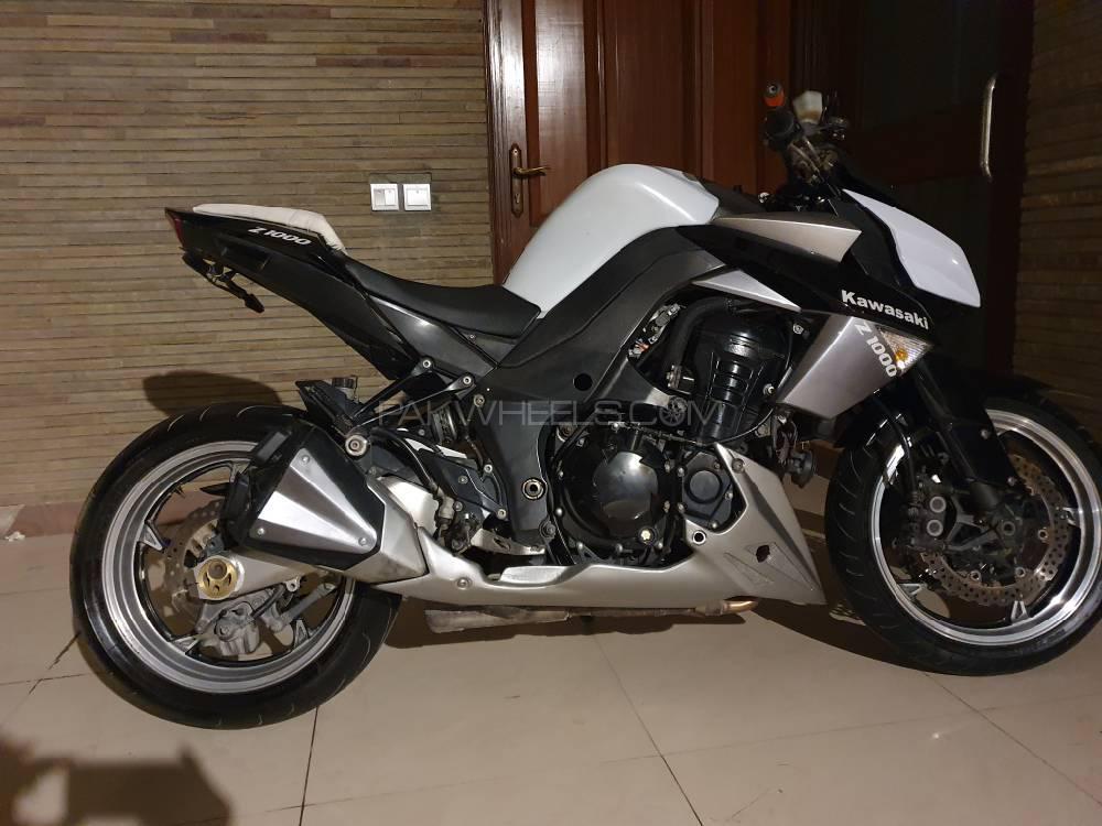 Kawasaki Z1000 2010 Image-1