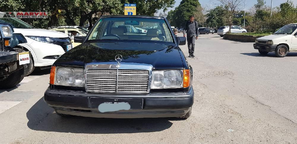 Mercedes Benz E Class E300 1990 Image-1