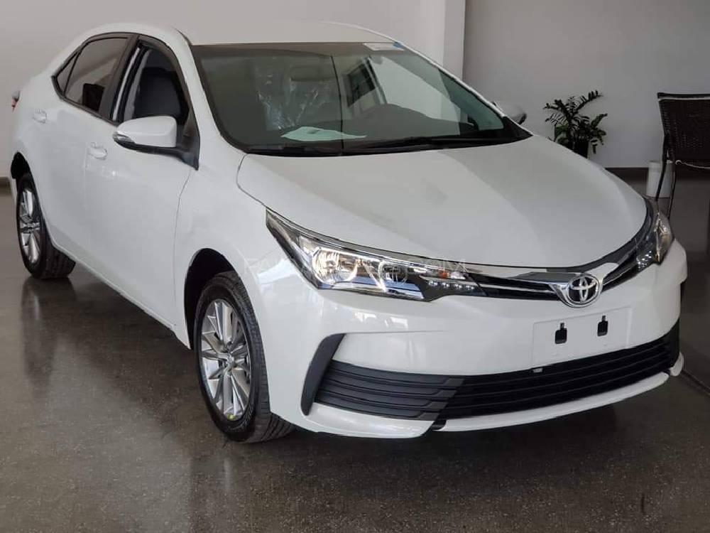 Toyota Corolla - 2018 Malik Image-1