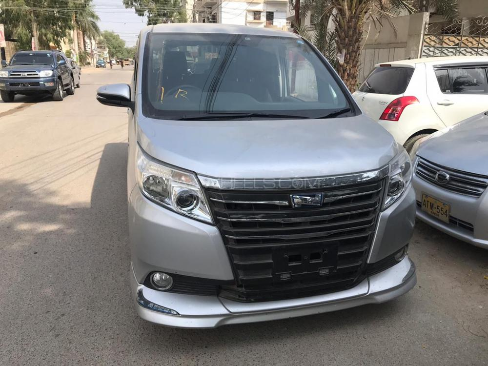 Toyota Noah X SPECIAL EDITION 2014 Image-1