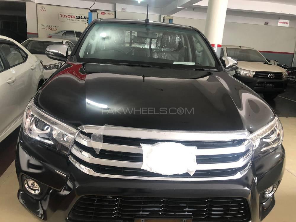 Toyota Hilux Revo V Automatic 2.8 2020 Image-1