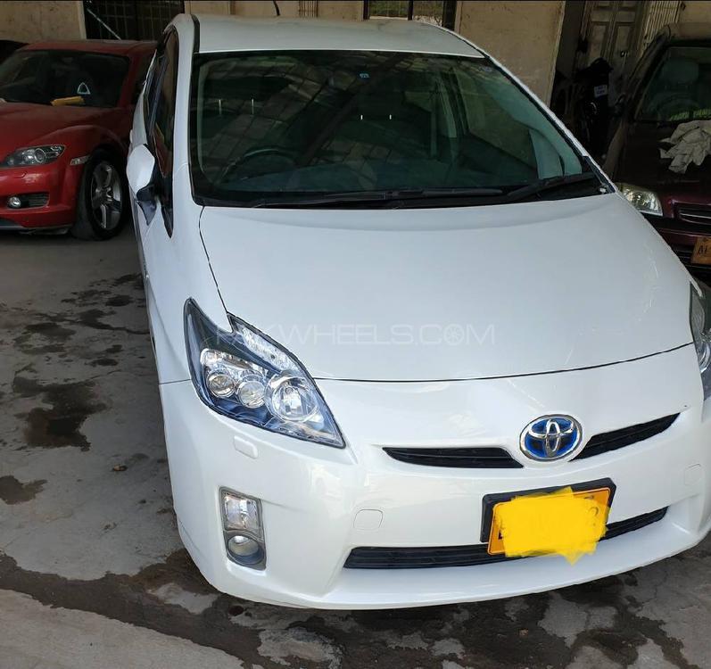 Toyota Prius G Touring Selection 1.8 2011 Image-1